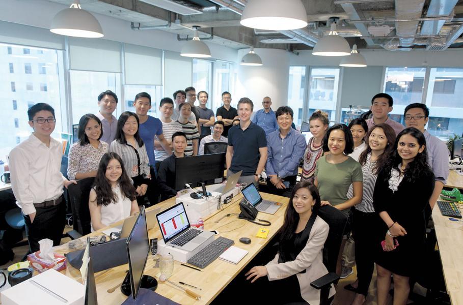 我認為,在全球化之下, 人生從沒地域界限,當自己走遍世界大都市後, 依然選擇以香港為LYNK發展的大本營。