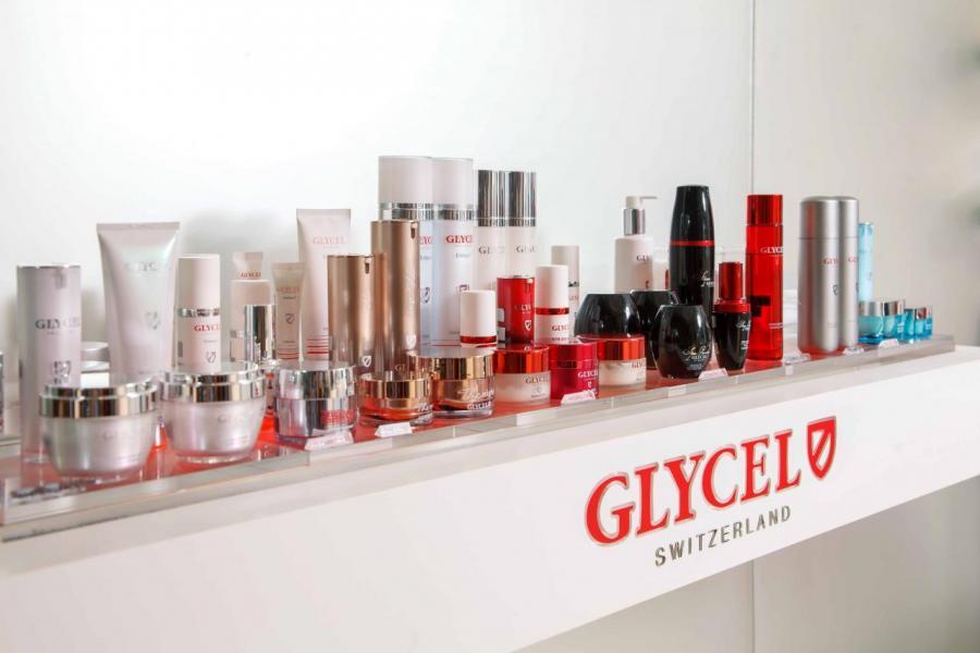 瑞士護膚品牌GLYCEL被譽為「肌膚細胞再生專家」,受到不少女士的追捧。