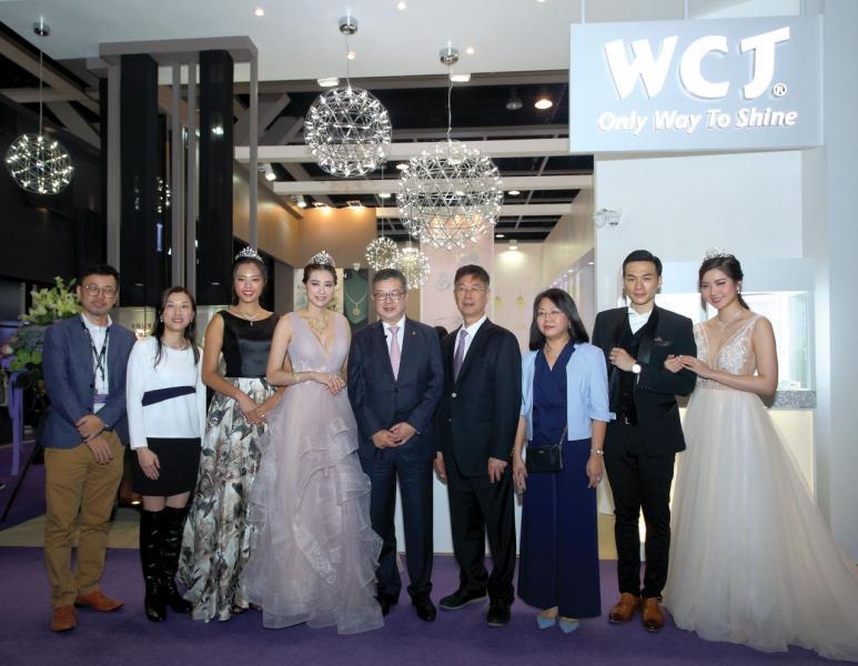 杜源寧出席AQUEEN在3月於國際珠寶展舉行品牌推廣活動。