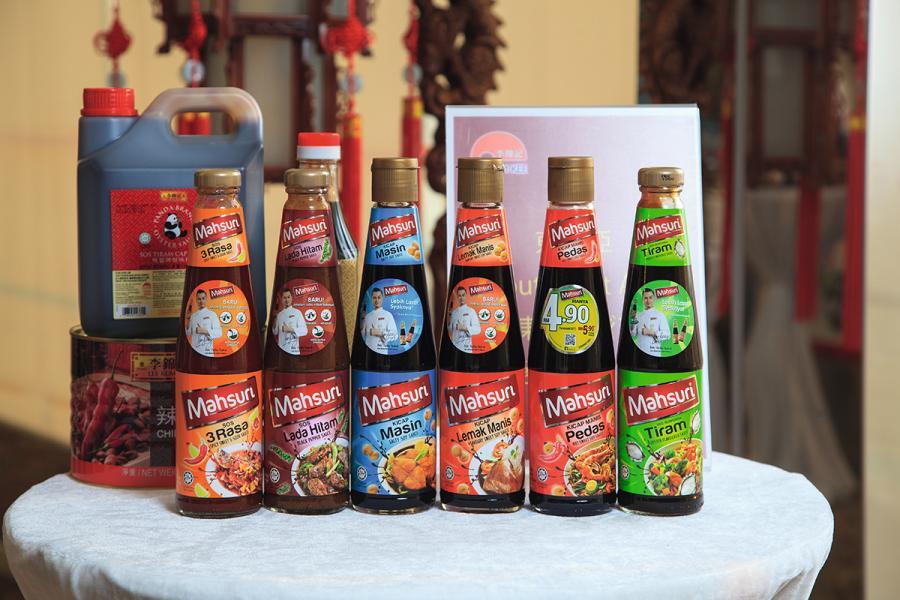李錦記為東南亞市場度身訂造清真產品。