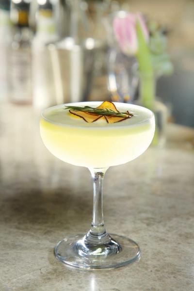 The Fourth Hokage:以清酒、香茅糖水、蘋果汁、柚子、柑橘調製而成,每一口都富有濃郁果香。