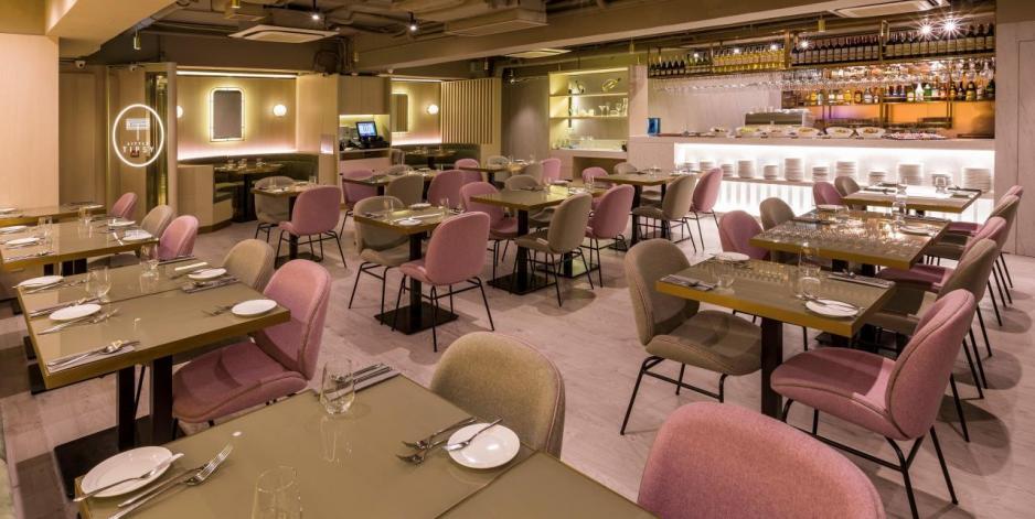 用餐區有60個座位,這裡亦設有可容納12人的私人廂房。