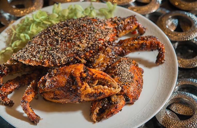 秘製黑椒醬加拿大肉蟹