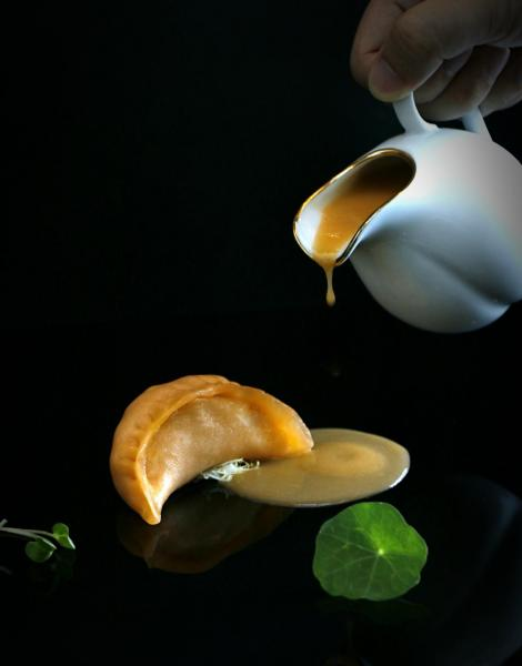 蟹粉灌湯餃