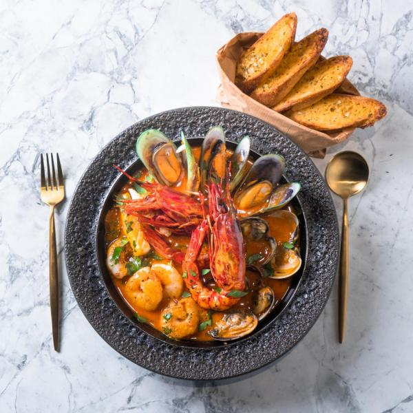 燴地中海式紅蝦海鮮湯