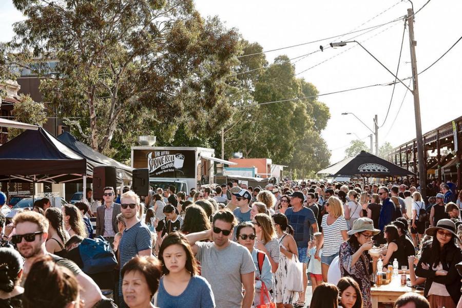 受到人口增長和Docklands土地可用性帶動,過去15年墨爾本辦公樓市場增長較悉尼為快。