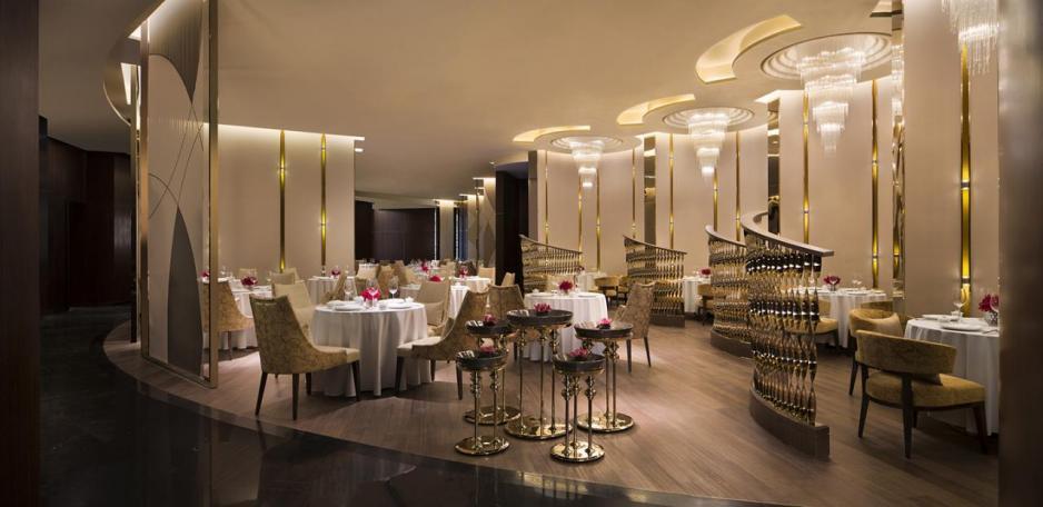 萬豪中菜廳的裝潢以舒適為佈局。