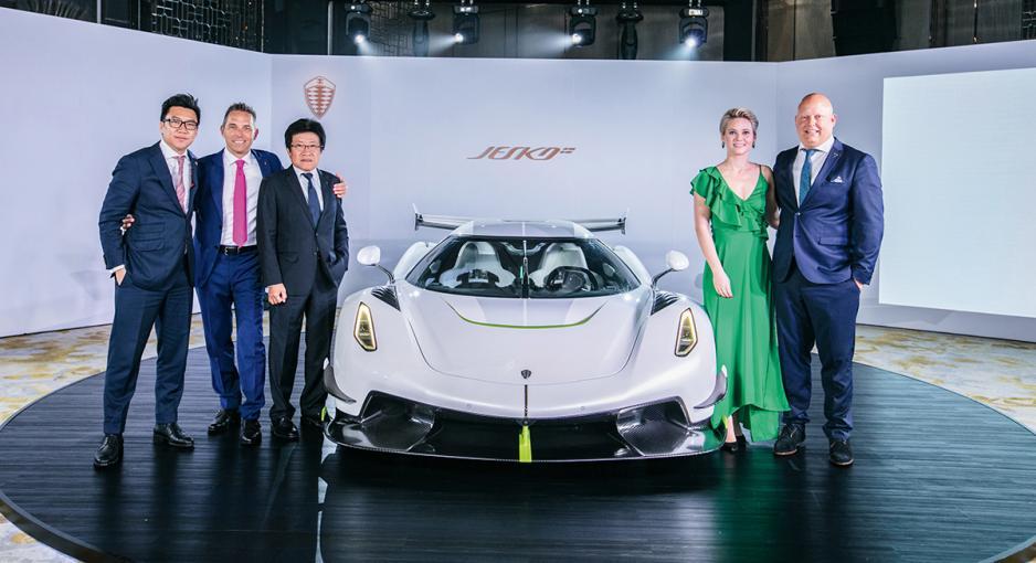 Kingsway K Cars的代表及Christian von Koenigsegg(右一)。