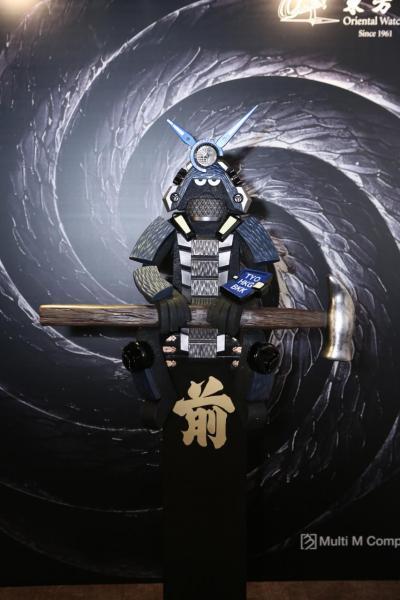 由Michael Lau創作,以Casio全新 MRG-G2000HT「霞鎚目」腕錶為靈感的藝術裝置。