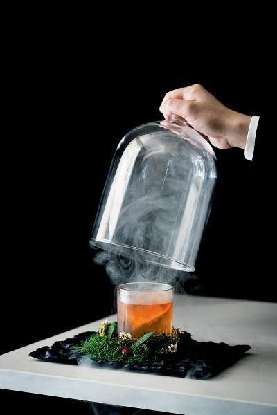 餐廳著名的雞尾酒——Above the Clouds