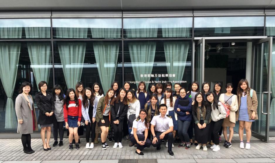 「香港郵輪及遊艇業協會」開辦的培訓課程,目前已開至第五班,現時已有學員在位於歐洲的郵輪上工作。