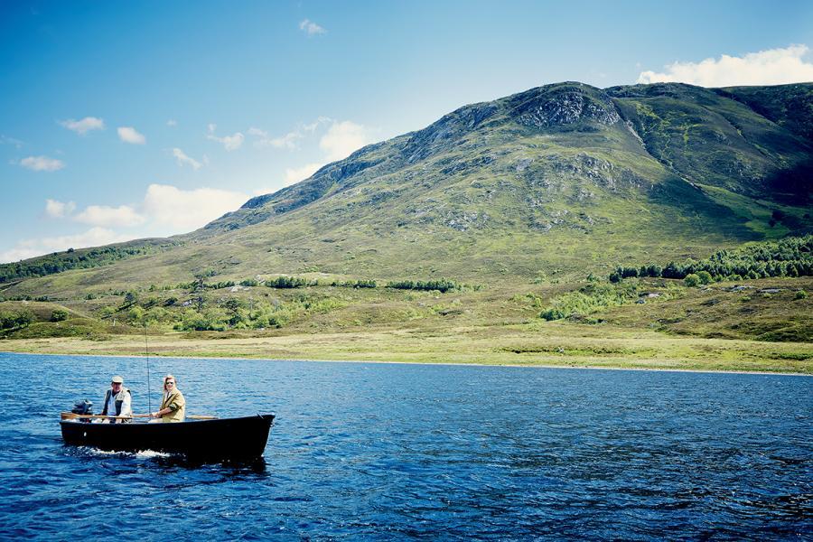 泛舟釣魚,是否奢華活動那就見仁見智了。