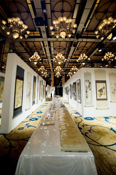 香港四季酒店東京中央拍賣預展現場。
