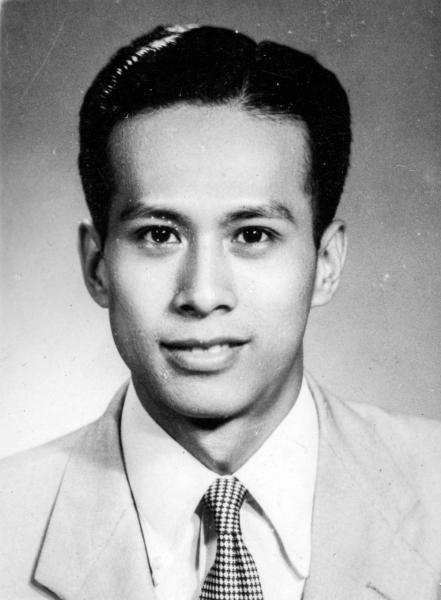1947 年,李嘉誠不足 20 歲已當上公司總經理。