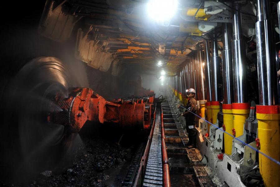 在國家積極去產能及去庫存下,煤炭供求恢復平衡。