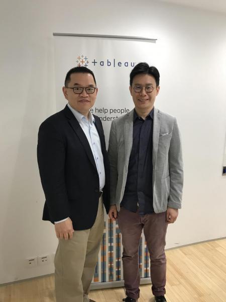 (左)Tableau大中華區銷售總監葉松林與香港大學商業與經濟學院創新與信息管理講師駱俊傑博士。