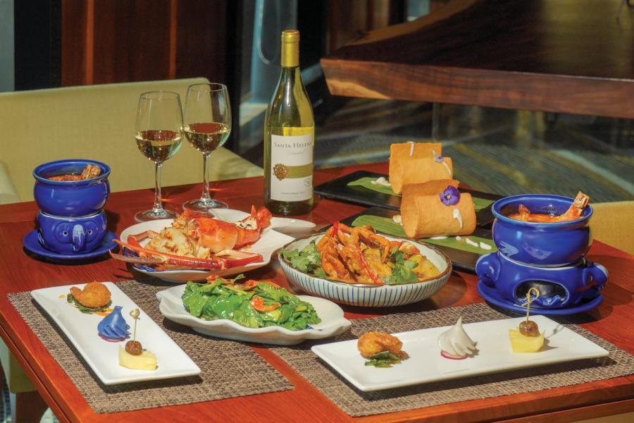 專以泰國特色美食的Thai Brasserie by Blue Elephant 亦有參與其中,以具個性的泰菜配白酒,推出兩位用泰國海鮮餐。