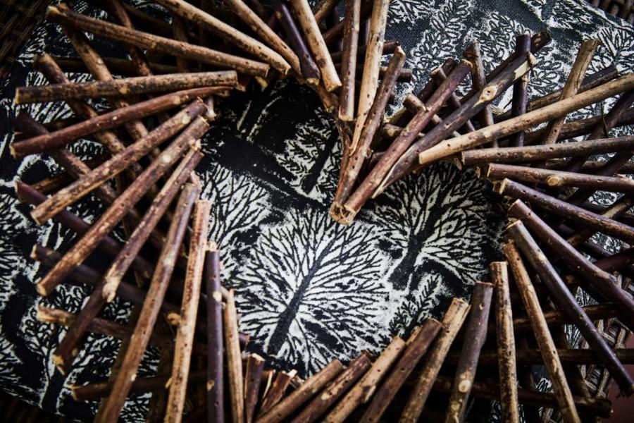 來自菲律賓的浮木心形裝飾
