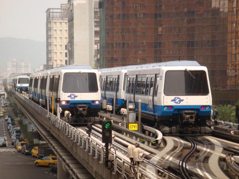 捷運綠線預計明年底即將試營運,並於2020年可全線通車。