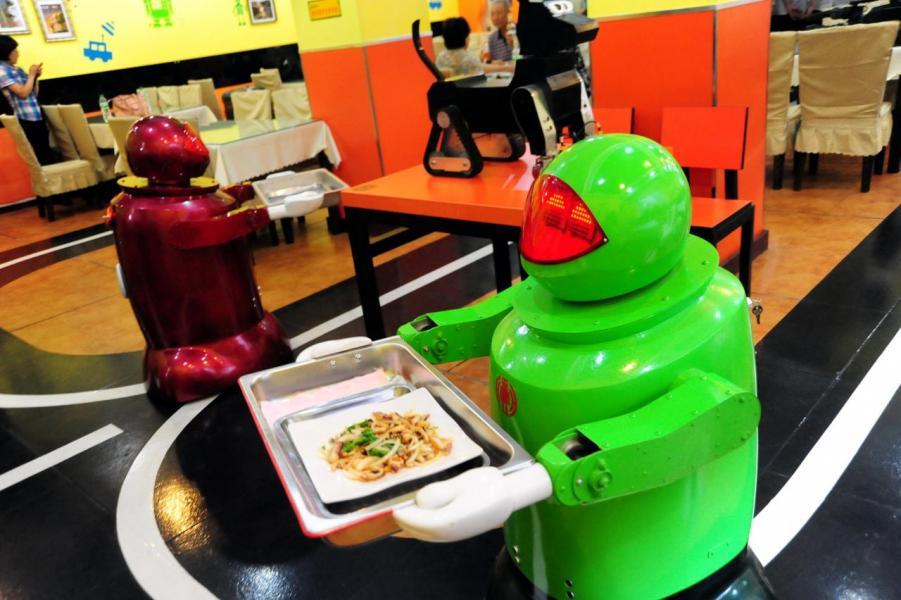 內地已開始有無人餐廳,由煮食到送餐都由機器代勞。