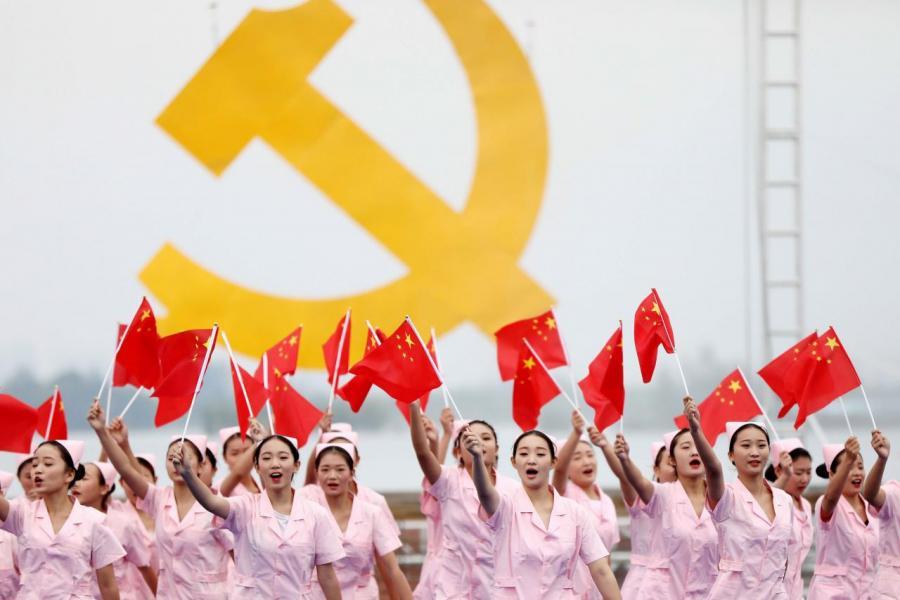 估計最快可於二○二九年,中國GDP便可以跑贏美國。