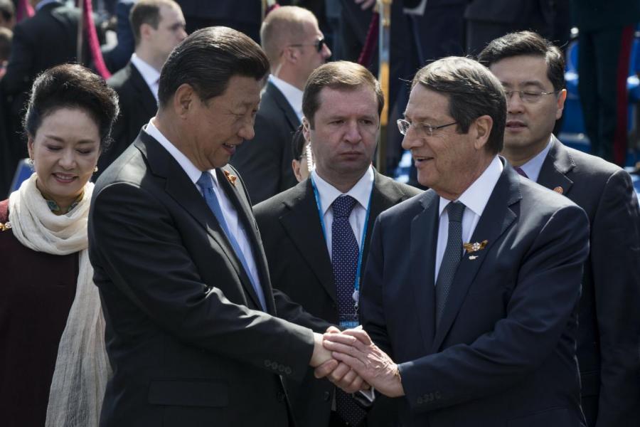 國家主席習近平曾與塞國總統阿納斯塔西亞迪斯會晤。