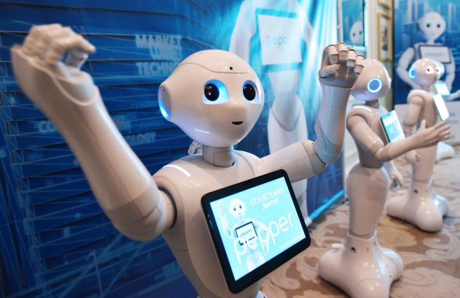 不少車廠在美國拉斯維加斯的二○一八年消費電子展上宣布有關無人車的研發進展。