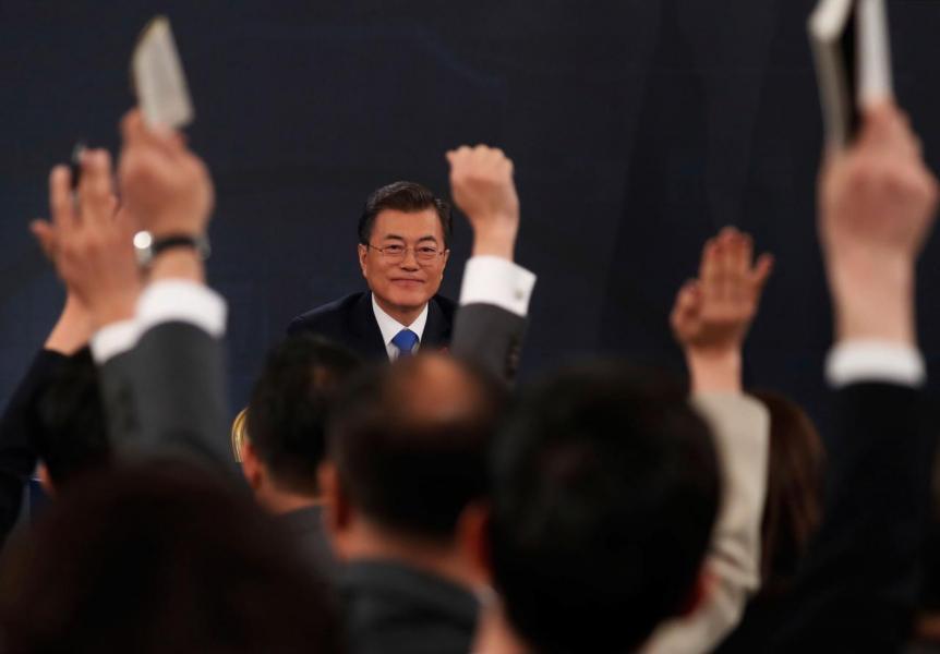 南韓總統文在寅上台後,中韓關係回暖。