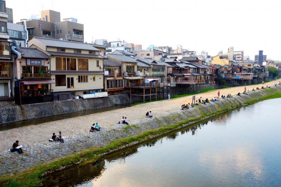 東京、神奈川等地區的樓價已從2013年開始出現上漲,東京的樓價指數已恢復至2000年的水平。