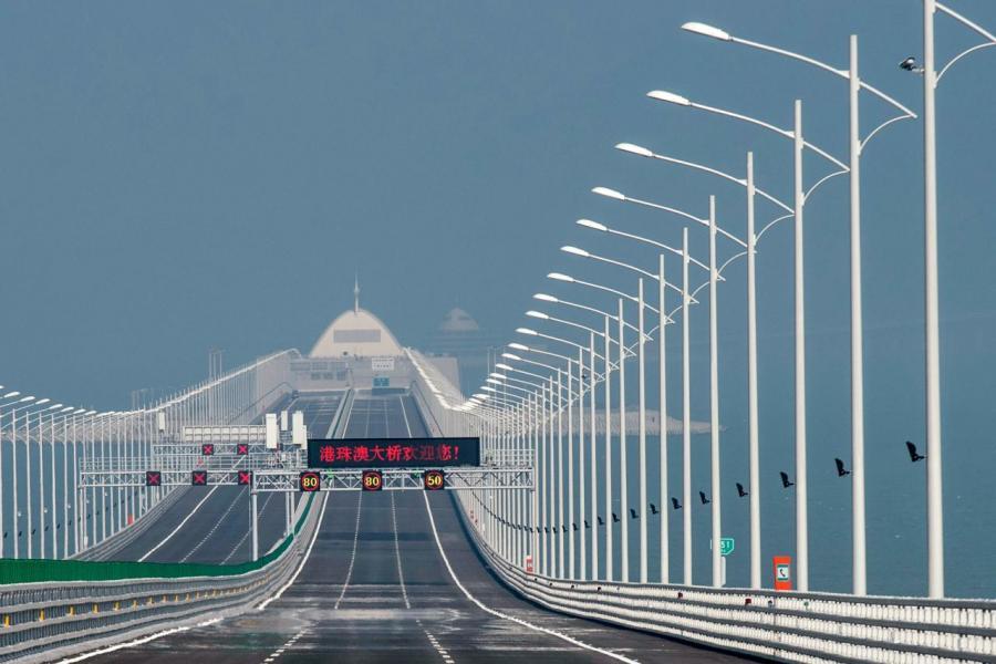 港珠澳大橋通車後由香港至珠海的車程僅需四十分鐘。
