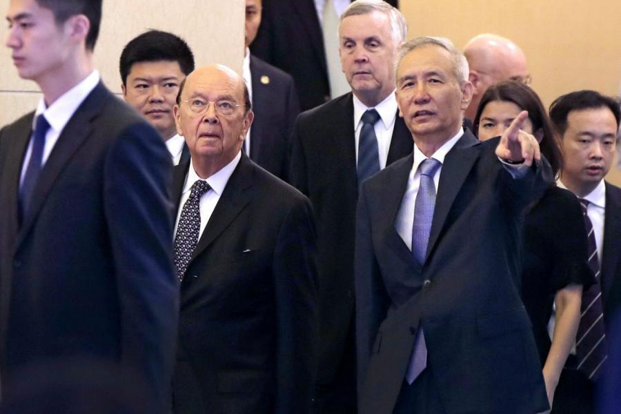 美商務部長羅斯與中國副總理劉鶴(右)於今月初的會面成果如今已化為烏有。