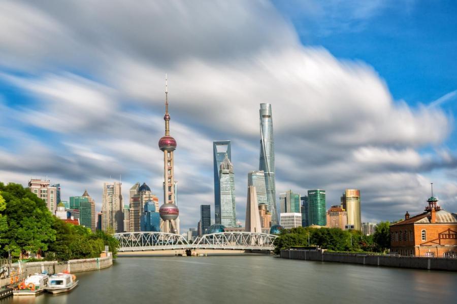 事隔三年,李嘉誠再次放售上海的商業資產。