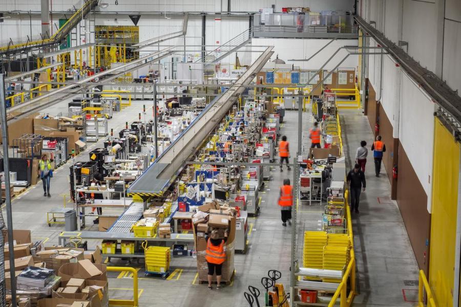 美國Amazon今年在聖誕消費旺季期間,供無訂單金額限制的免運費服務。