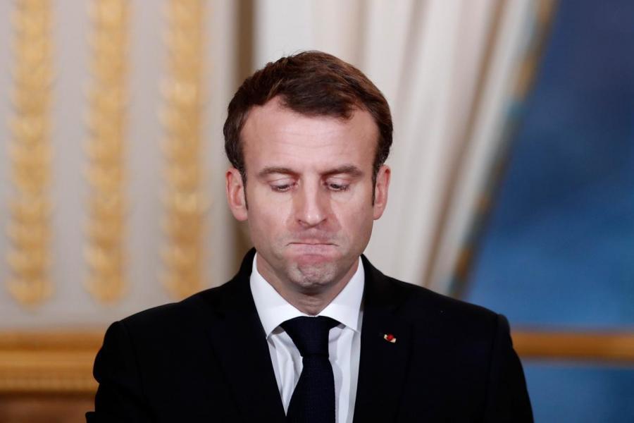 法國總統馬克龍宣布取消增加燃油稅,並承諾把每月最低工資上調一百歐元。