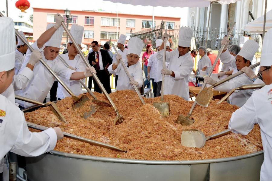 農曆新年期間,不少市民都會精製多種美食來慶祝新一年的來臨。