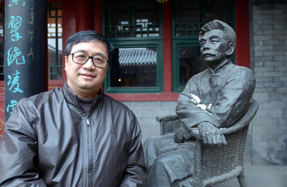 王敏剛的逝世,暴露本港董事過度兼任問題。