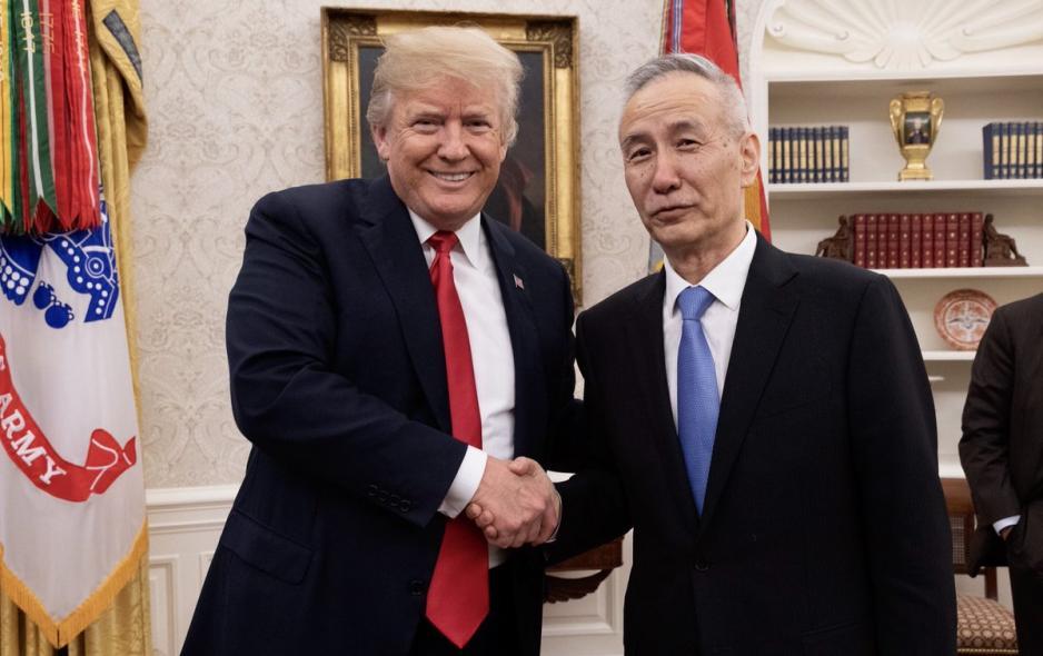劉鶴(右)直言,雙方在經貿關係達成協議,認為是「雙贏」。